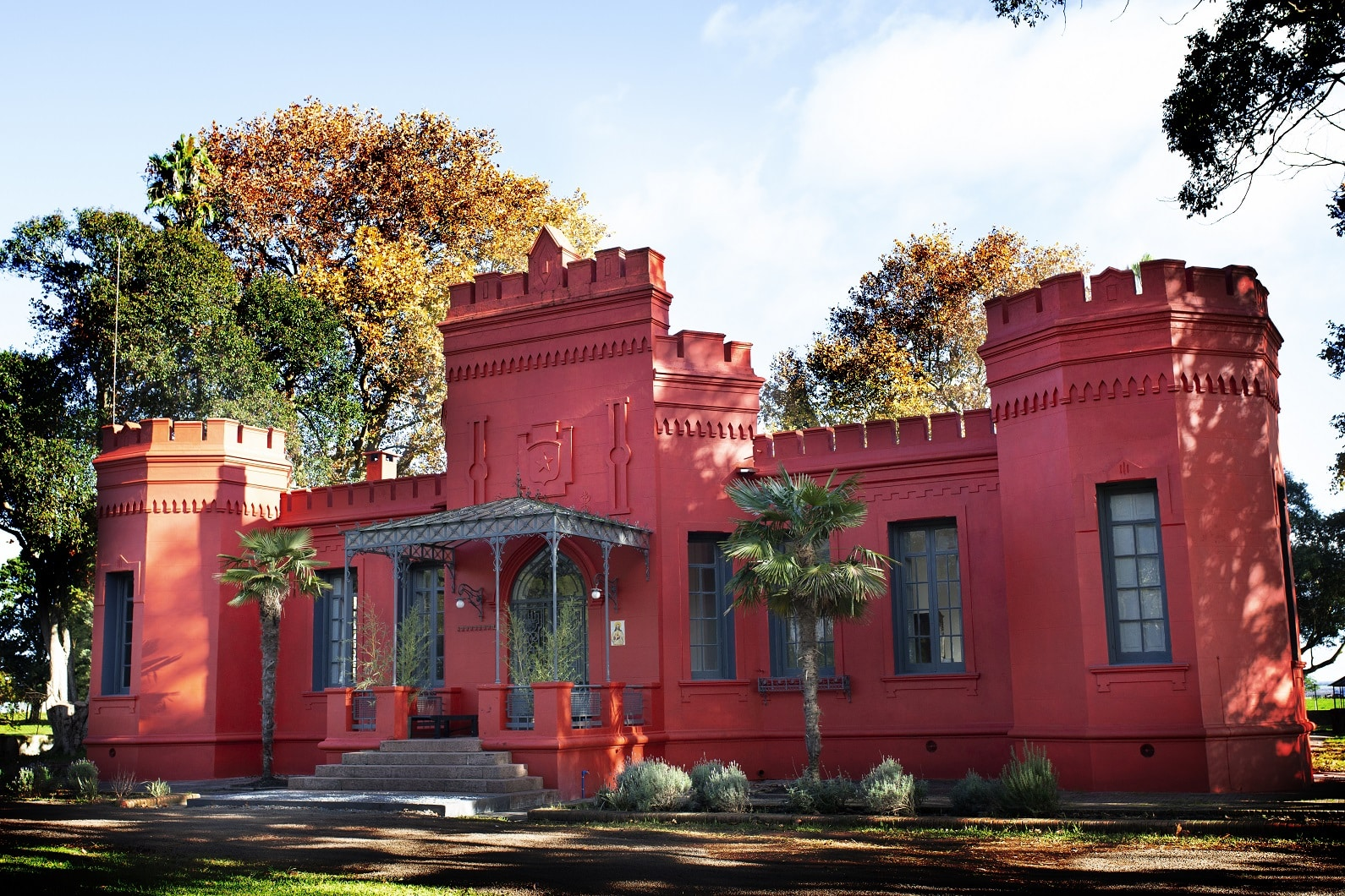 9bde83a514 Uruguay Lodge is an elegant 19th century mansion which rests on one of the  most beautiful estancias in the country. After an intensive restoration  process ...